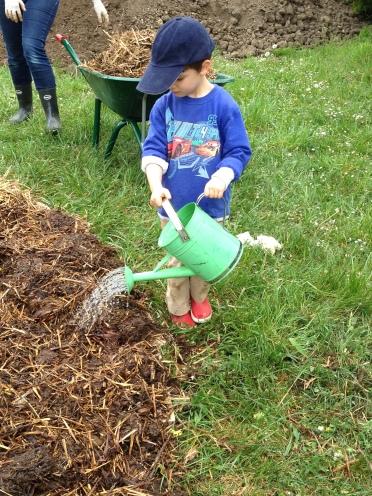 enfant_jardinage